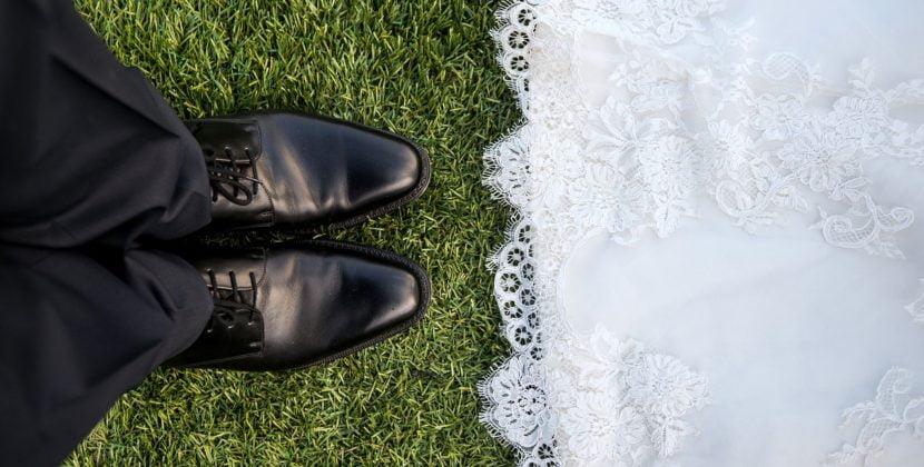 Cum au reuşit doi tineri să-şi facă nunta în metrou. Reacţia pasagerilor