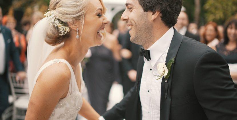 O mireasă a decis să-şi combine nunta cu înmormântarea mătuşii ei. Reacţia unui invitat
