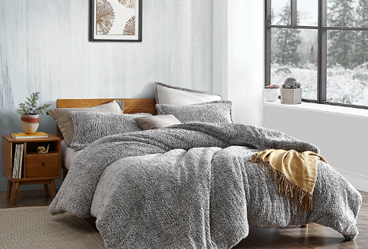 Materialele ideale pentru așternuturile de pat destinate anotimpului rece